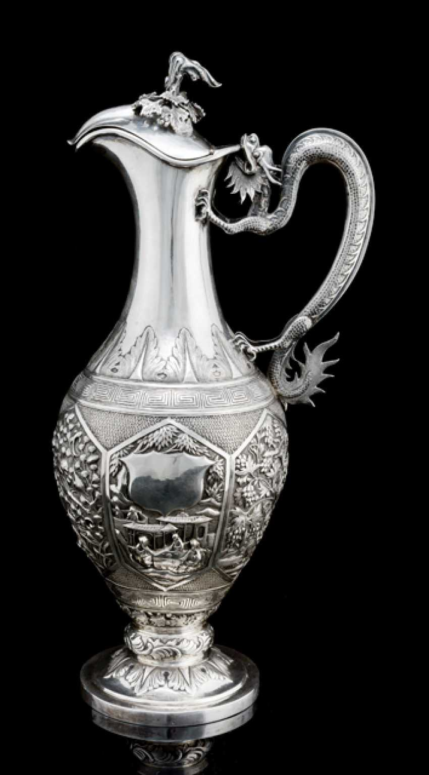 Fine and rare Export silver teapot with dragon handle and reliefuerten cartridges - photo 1