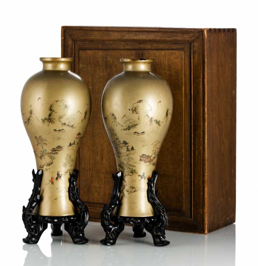 Pair of lacquer vases with landscape decoration with original box - photo 1