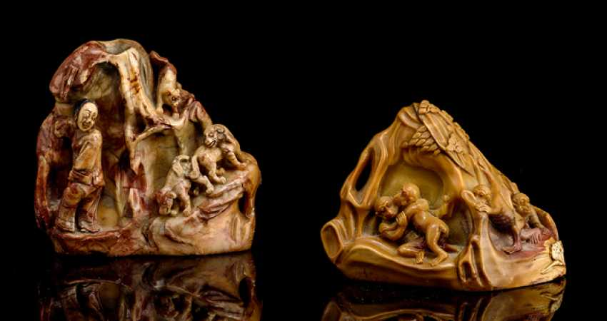 Two paper weights are made from soapstone with a carved decor of Affem and dogs with character - photo 1