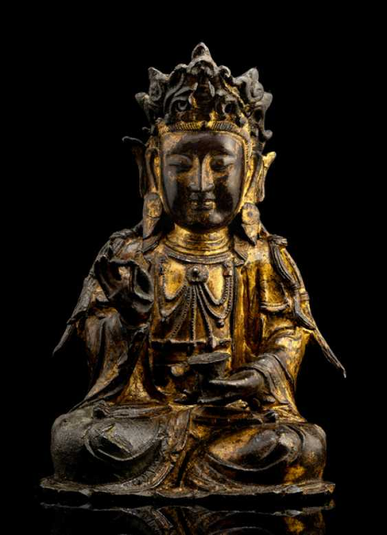 Lackvergoldete Bronze des Guanyin - photo 1