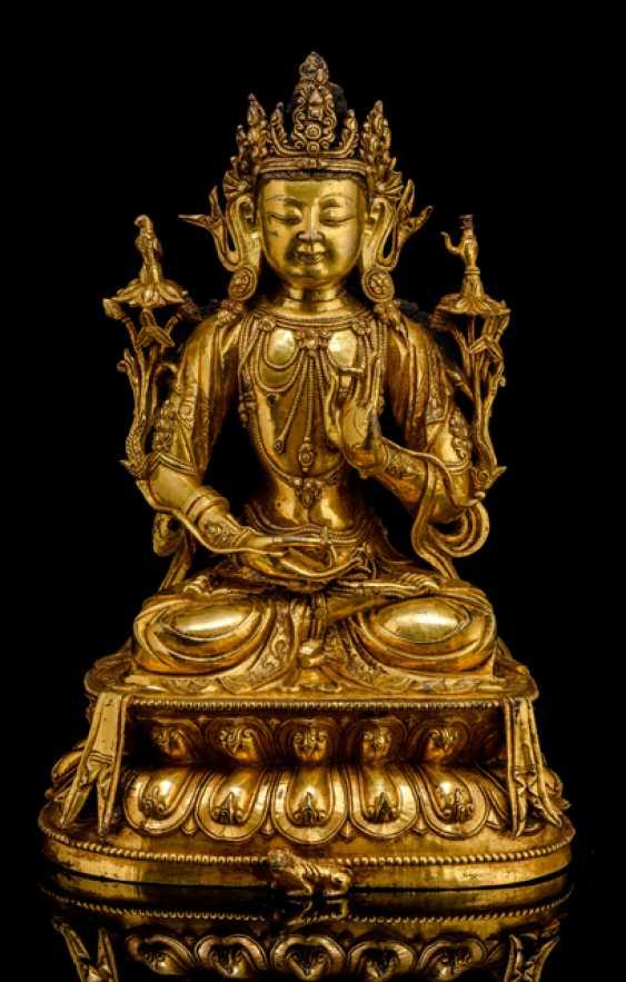 Fine fire-gilded Bronze of Avalokitesvara - photo 1