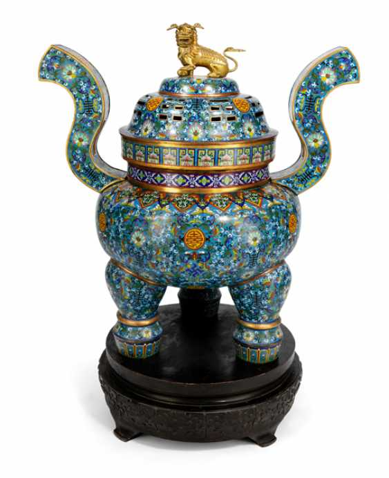 Very large, partially fire-gilt Cloisonné incense burner with wooden stand - photo 2