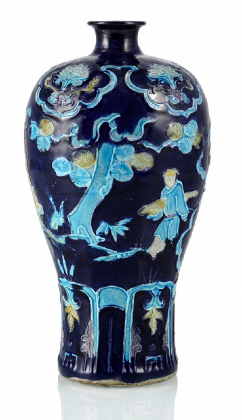 'Fahua'-Vase in meiping Form with decoration of a sage - photo 1