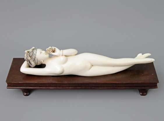 "Fine, ""Doctors Lady"" of ivory. CHINA, around 1900 - photo 1"