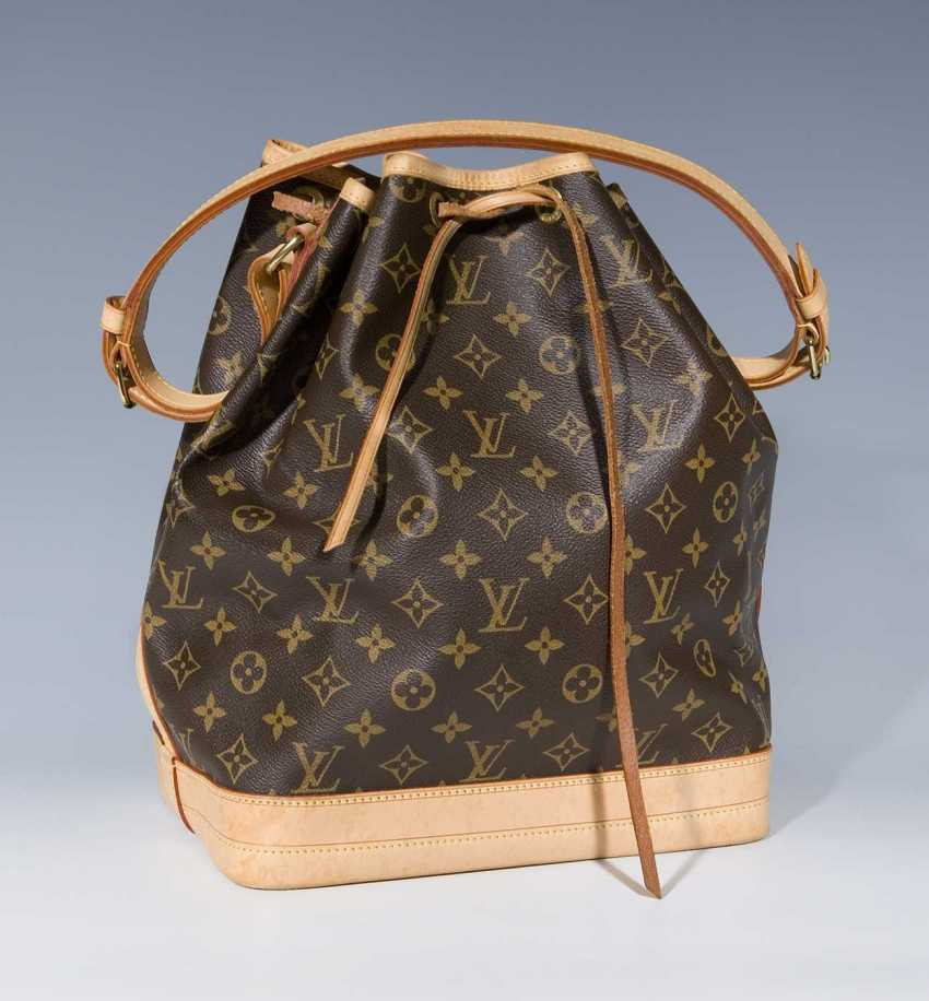 ee1cab0c84821 Lot 971. Louis Vuitton  Bag Noah Great. from the catalog