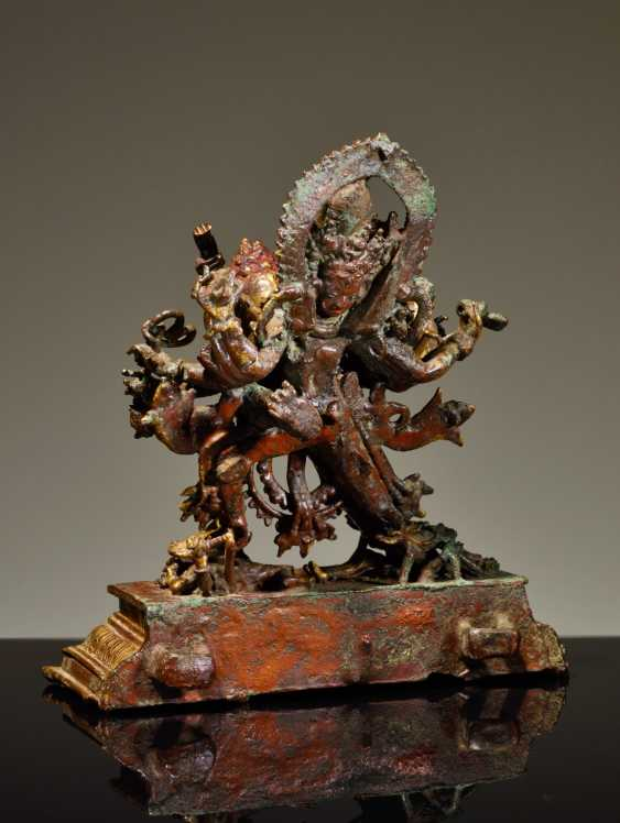 TWELVE-ARMED CAKRASAMVARA WITH YOGINI - photo 3