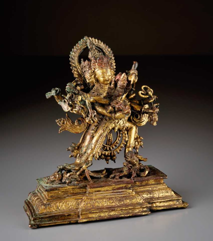 TWELVE-ARMED CAKRASAMVARA WITH YOGINI - photo 1