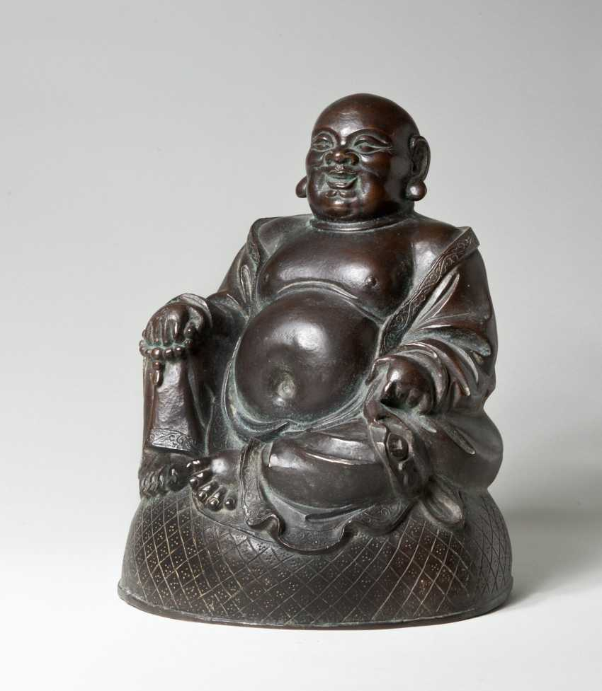 THE BIG-BELLIED MONK BUDAI24
