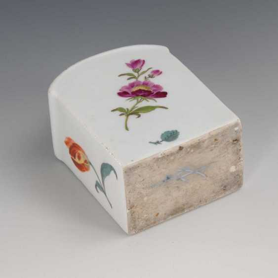 Tea caddy with flower painting, Meissen. - photo 2