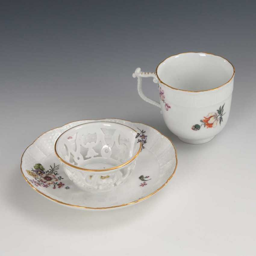 Trembleuse with flower painting, Meissen. - photo 2