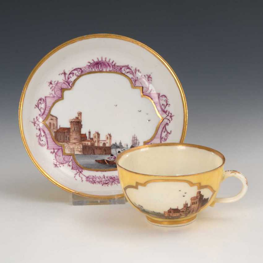 Cup and saucer with kauffahrtei-painting, Meissen. - photo 1