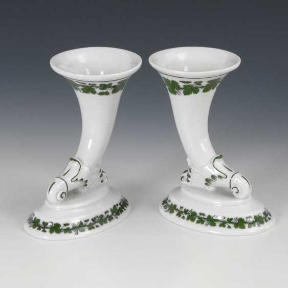 Pair of cornucopia vases with vine leaf decor, - photo 1