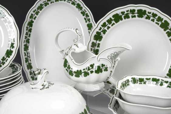 Dining service with wine leaf decor, Meisse - photo 2