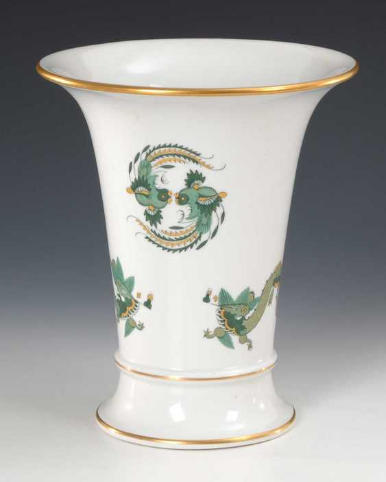 Crater vase with dragon painting, Meissen. - photo 1