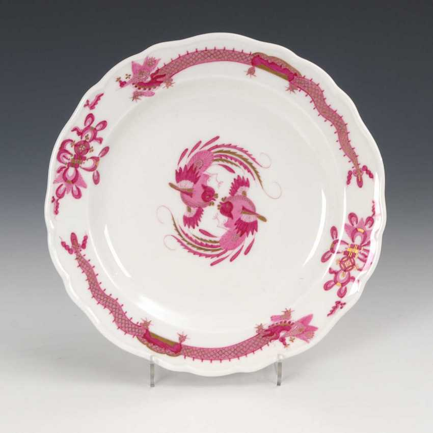 Plate with dragon painting, Meissen. - photo 1