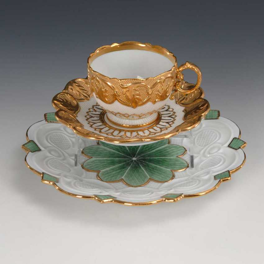 Relief Cup and plate, Meissen. - photo 1