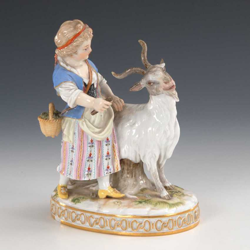 Girl with goat, Meissen. - photo 1