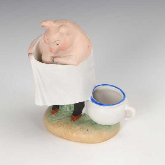 Pig lady as a flea seeker, shepherd - photo 1
