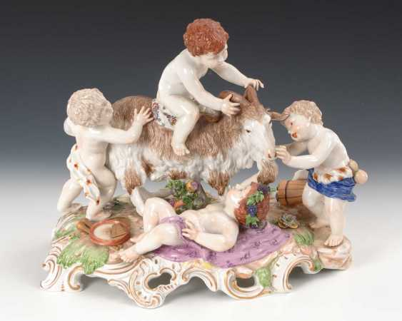 Large putti group with a goat. - photo 1