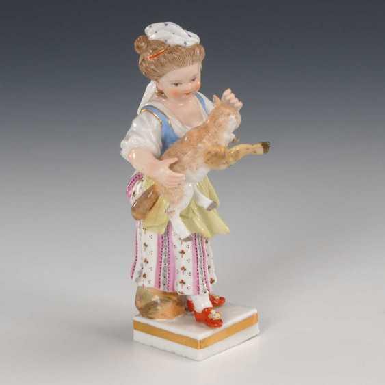 Girl with lamb Meissen. - photo 1