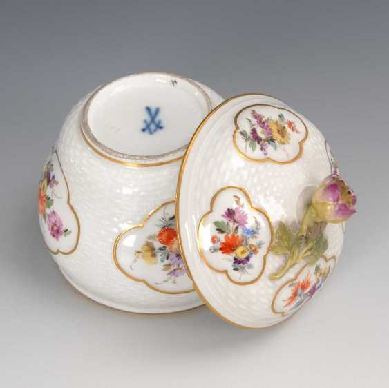 Sugar bowl with flower painting, Meissen. - photo 2