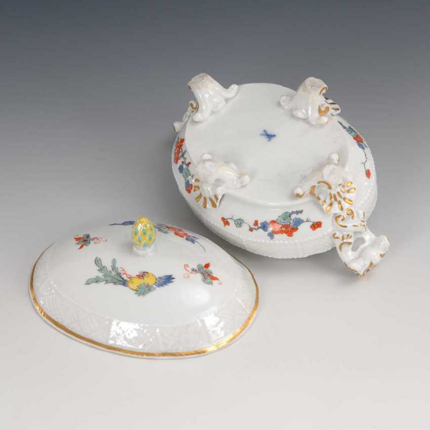 Can with kakiemon painting, Meissen. - photo 2