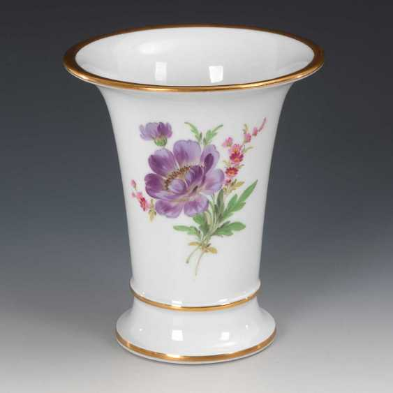 Crater vase with flower painting, Meissen. - photo 1