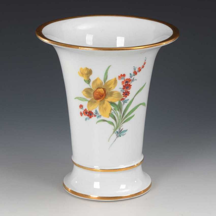 Crater vase with flower painting, Meissen. - photo 2