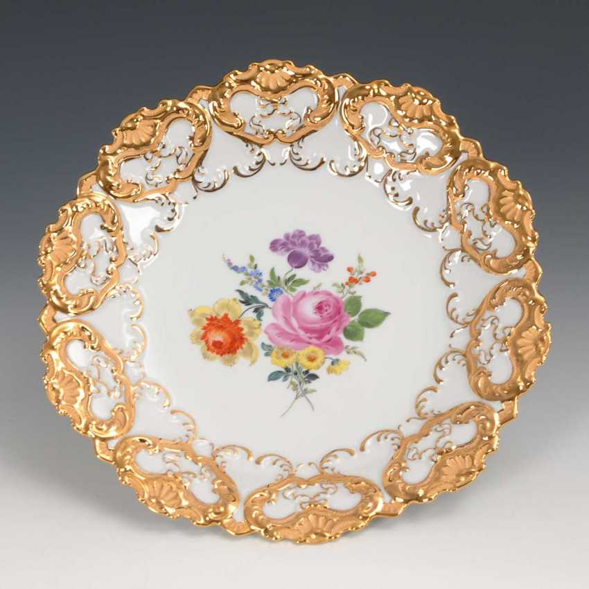 Ceremonial plate with flower painting, Meissen. - photo 1