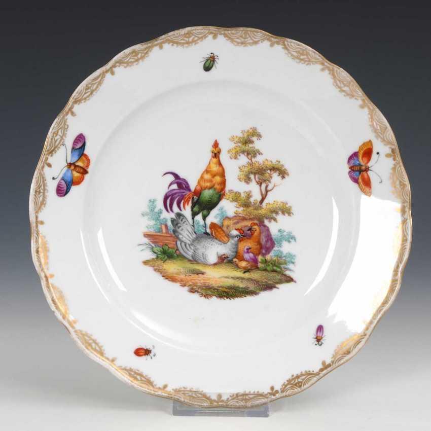 Plate with a chicken motif, Meissen. - photo 1