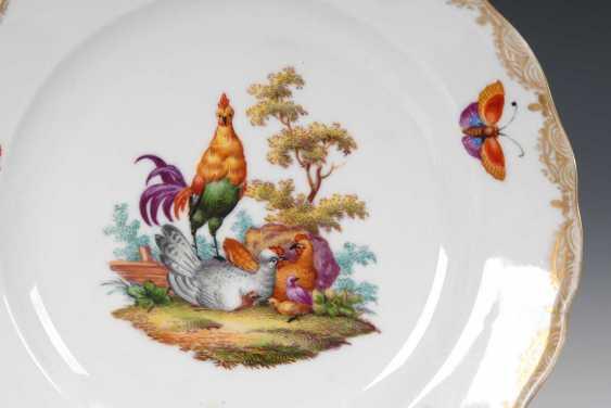Plate with a chicken motif, Meissen. - photo 2