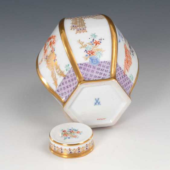 "Tea Caddy, ""A Thousand And One Nights"", Meissen - photo 4"