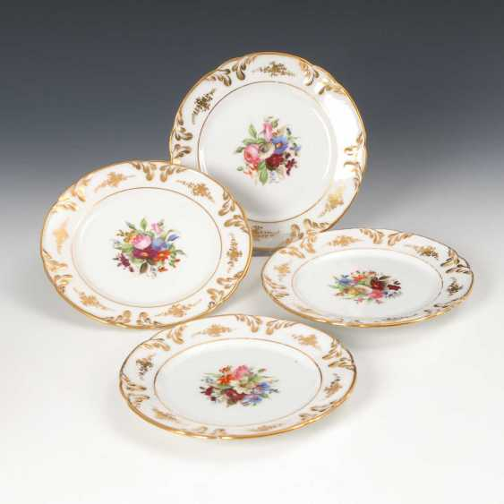 4 plates with flower painting. - photo 1
