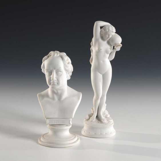Female Nude and Goethe bust. - photo 1