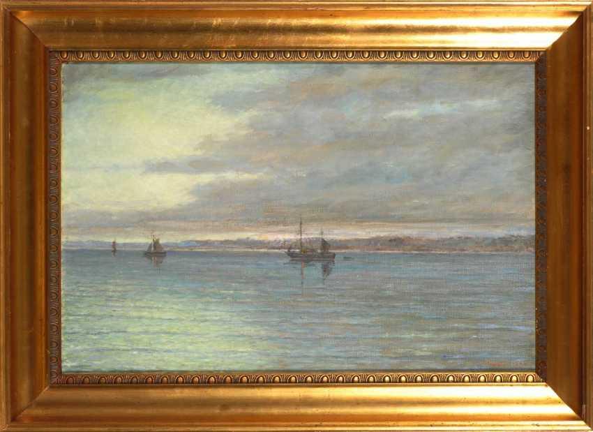 Larsen, EmiLänge: ships off the coast. - photo 2