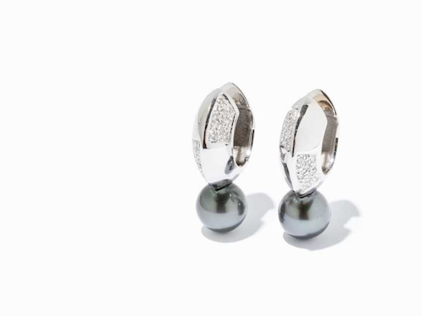 A PAIR OF EARRINGS WITH TAHITI PEARLS AND DIAMONDS. - photo 5