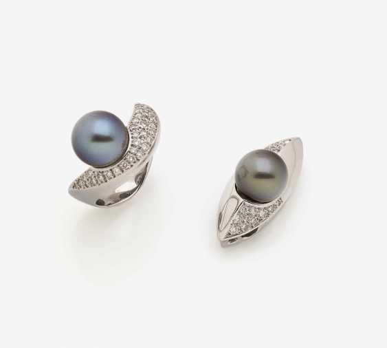 RING WITH TAHITI PEARL AND DIAMONDS. - photo 1