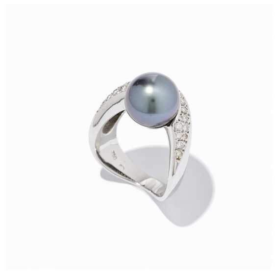 RING WITH TAHITI PEARL AND DIAMONDS. - photo 2