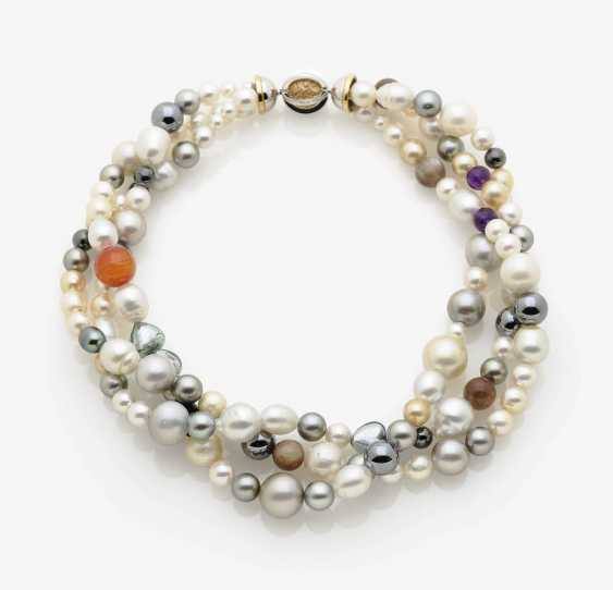 Necklace with Akoya cultured pearls and precious stone beads. - photo 1