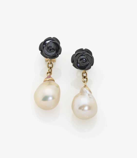 A PAIR OF DROP EARRINGS WITH SOUTH SEA CULTURED PEARLS, ONYX AND PINK SAPPHIRES . Japan, MIKIMOTO - photo 1