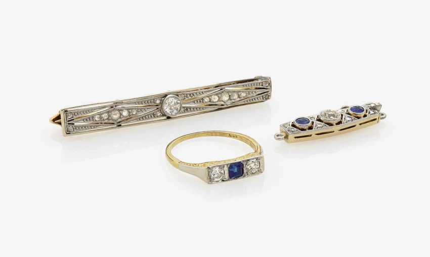 NEEDLE, Clasp AND RING WITH SAPPHIRES AND DIAMONDS . Germany, around 1915 - photo 1