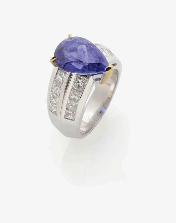 Ring with tanzanite and diamonds. - photo 1