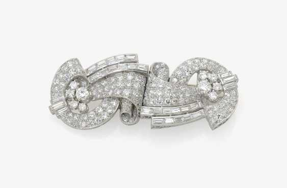 HISTORICAL DRESSES-DOUBLE CLIP AND BROOCH DECORATED WITH DIAMOND-BRILLIANT . USA, Art Deco, 1920s-1930s - photo 1