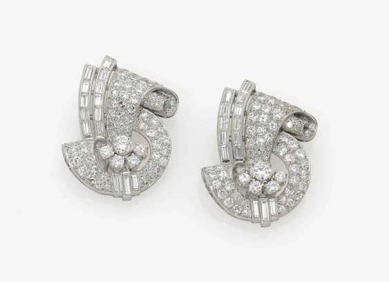 HISTORICAL DRESSES-DOUBLE CLIP AND BROOCH DECORATED WITH DIAMOND-BRILLIANT . USA, Art Deco, 1920s-1930s - photo 2