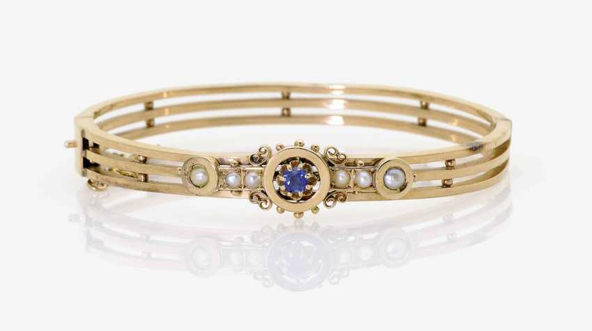 BANGLE WITH SAPPHIRE AND HALF PEARLS. - photo 1