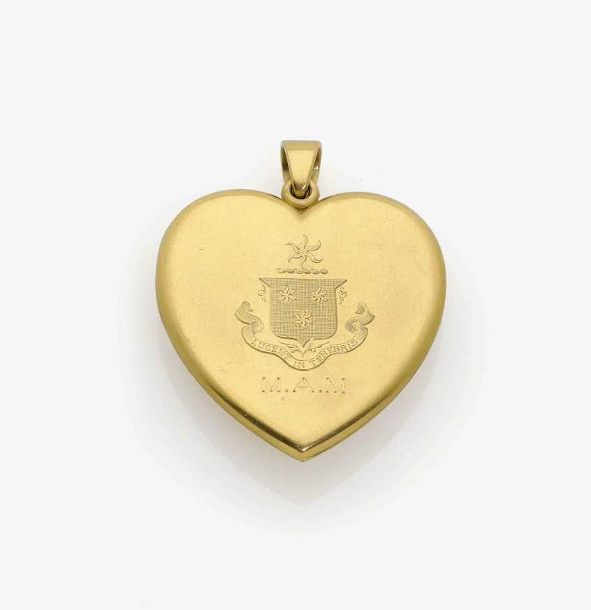 Historical heart locket pendant, decorated with diamond roses . USA, heart motif with arrow around 1860-1870, medallion, 1900-1930s - photo 2