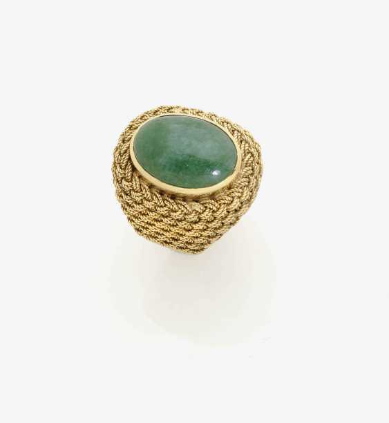 Outer ring decorated with an emerald . Italy, 1950s - photo 1