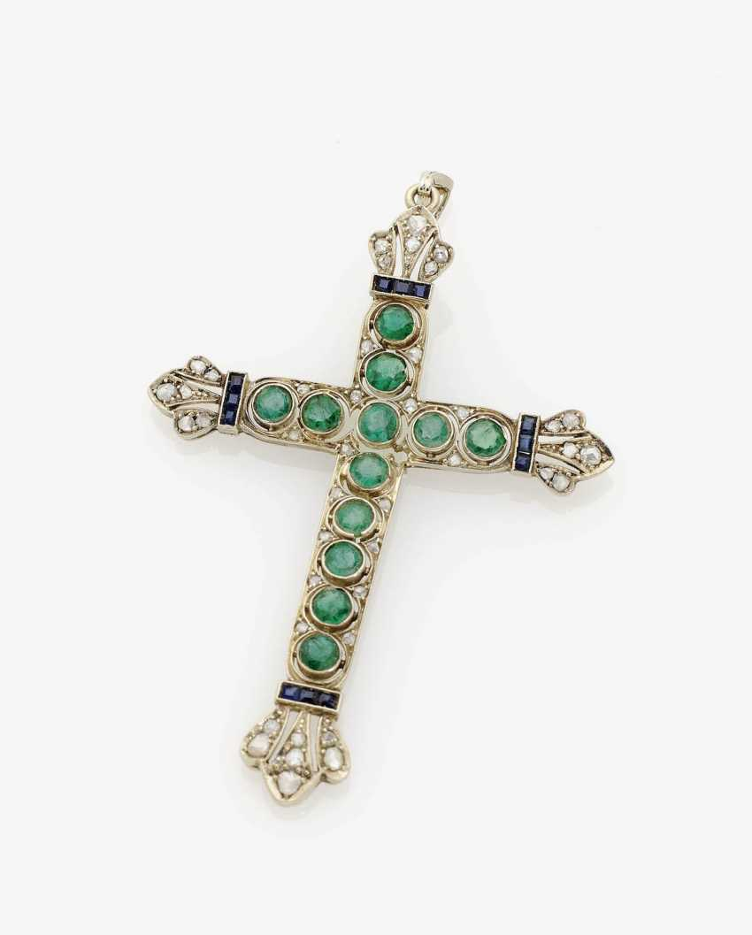 HISTORICAL CROSS PENDANT IS DECORATED WITH EMERALDS, SAPPHIRES AND DIAMOND ROSES . USA, about 1910 - photo 1