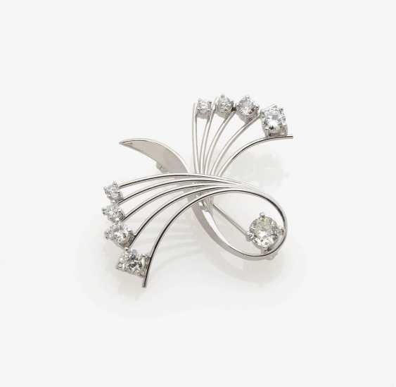 BROOCH IN THE FORM OF A STYLISED BOW SET WITH BRILLIANT . Germany, 1950s-1960s - photo 1