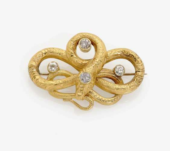 HISTORICAL beat a brooch DECORATED WITH DIAMONDS . England, 1850-1860 - photo 1